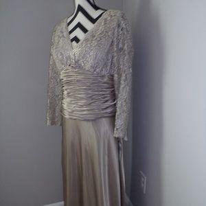 NWT Patra Sz 14  Charmeuse Wedding/Formal Dress